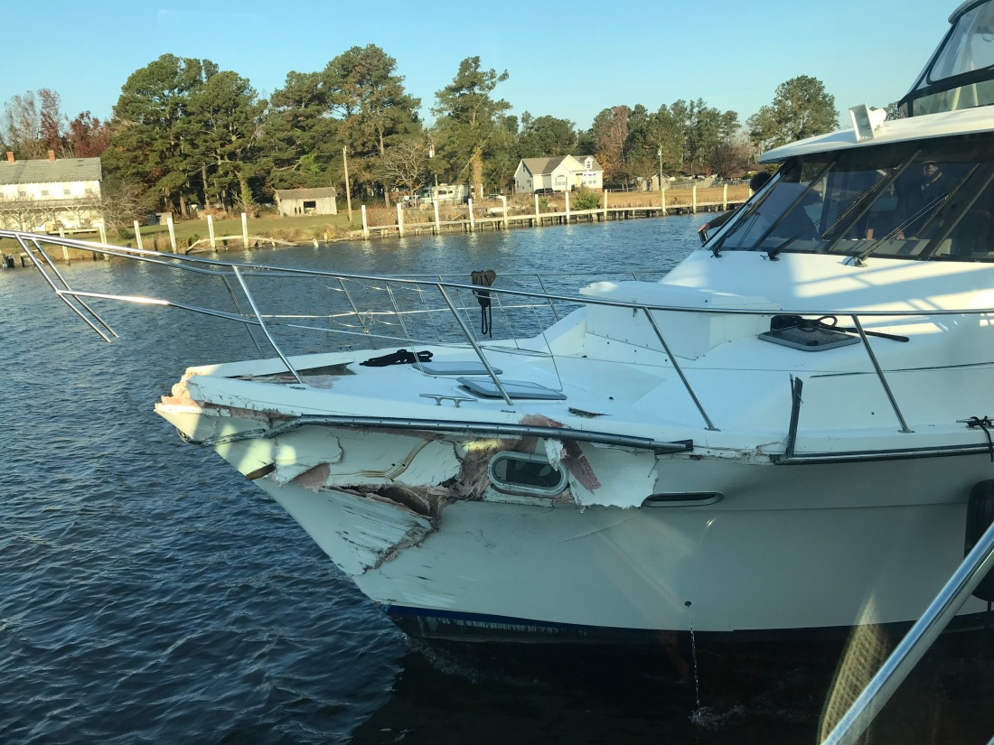 Bayliner 4788 Bow