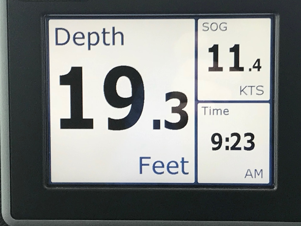 MV Simple Life moving at a rare 11.4 knots thanks to fast currents